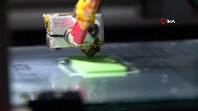 Mekatronik Mühendisi boş zamanlarında 3 boyutlu yazıcı üretip, ekonomik kazanç elde etmeye başladı