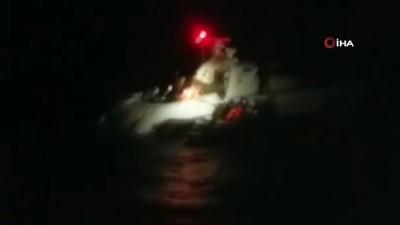 Yunanistan'a kaçmaya çalışan 43 Afgan fırtınada Sahil Güvenlik tarafından kurtarıldı