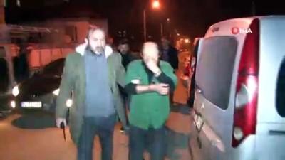 akalan -  Kamyonet çaldılar, polis baskınında çekyatta saklanırken yakalandılar