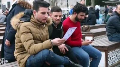"""medya kuruluslari - Turistlere """"Zeytin Dalı Harekatı""""nı anlatıp Türk bayrağı dağıttılar - İSTANBUL"""