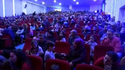 misir -  Kastamonu'da çocuklar aileleriyle birlikte tiyatronun tadını çıkardı