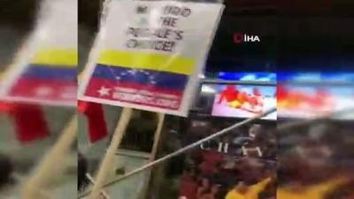 - Maduro'yu Destekleyenler New York'ta Sokağa İndi