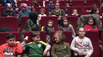 Başkan Aktaş çocuklarla 'Beş Haylaz'ı izledi