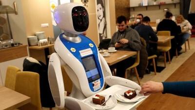Budapeşte'de bir kafenin tüm çalışanları robotlar