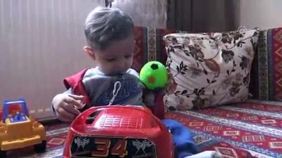 Oğullarının dünyada nadir görülen hastalığına çare arıyorlar - KAYSERİ