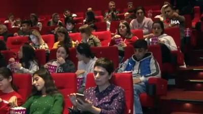 misir -  Doğu ve Güneydoğu'dan gelen çocuklar İstanbul'da film seyretti