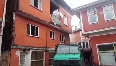 Emet'te 3 katlı binada yangın çıktı