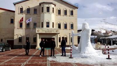 Buzdan 5 metrelik Dede Korkut heykeli - BAYBURT