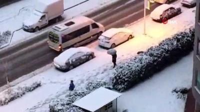 ozel okullar -  Kar yağışı Bursa'yı beyaza bürüdü, bazı özel okullar tatil edildi