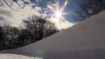 kar manzaralari - Kar yağışı nedeniyle ulaşıma kapanan 46 köy yolundan 20'si açıldı - KIRKLARELİ