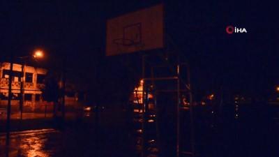 polis kamerasi -  Kendini basketbol potasına asan genci polis son anda kurtardı