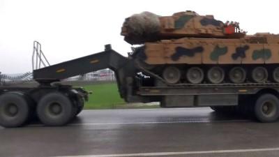 Kilis'ten Fırat'ın doğusuna fırtına obüs ile tank sevkiyatı