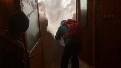 | Avrupa kara kışa teslim, Türkiye'de kar yağışı ve tipi etkili oluyor