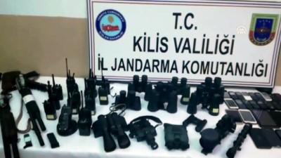 Göçmen kaçakçılığı operasyonunda ele geçirilen silah ve malzemeler - KİLİS
