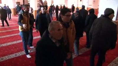 cami imami -  Köpek saldırısında hayatını kaybeden öğrencinin cenaze namazında gerginlik