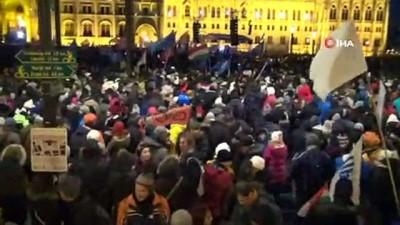 - Macaristan'da 'köle Yasası' Gösterileri Devam Ediyor - Hükümet İstifaya Çağrıldı