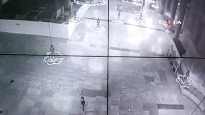 Ayasofya'da dans eden kızın görüntüsü büyük tepki çekti