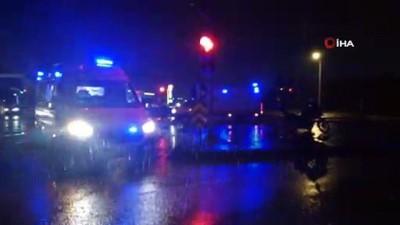 Halk otobüsü ile otomobil çarpıştı: 2'si çocuk 4 yaralı
