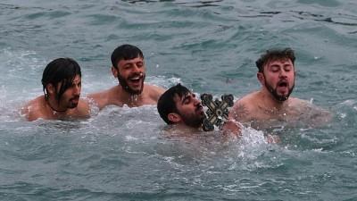 hac cikarma - Hz. İsa'nın doğumu denizden haç çıkarma töreniyle kutlandı