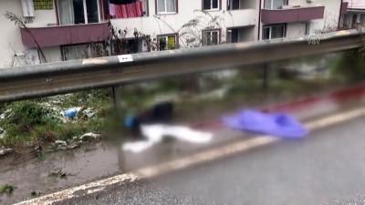 Kaza yapan otomobilden fırlayan genç kız öldü - Olay yeri - SAKARYA