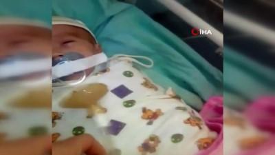 - Rusya'da Kuvözdeki Bebeğe Emzik İşkencesi