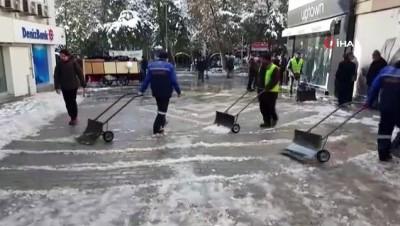Kırıkkale'de kar ve buz temizleme çalışmaları başladı