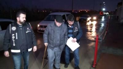 tefecilik -  Adana'da tefeci operasyonu: 1'i kadın 5 gözaltı