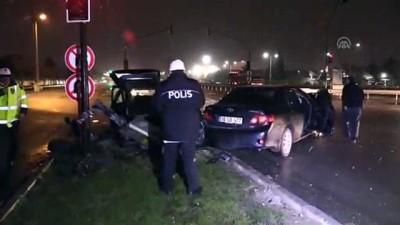 Bursa'da iki otomobil çarpıştı: 4 yaralı