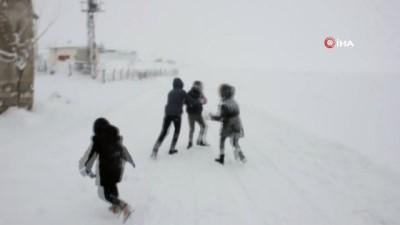 - Kırşehir'de karın keyfini çocuklar çıkardı