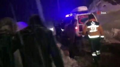 Doğum sancısı çeken kadın karla mücadele ekiplerinin 3 saatlik çalışması ile hastaneye yetiştirildi
