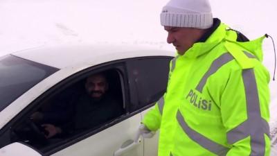 Erzincan'da ulaşıma sis ve tipi engeli