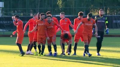 hazirlik maci - Futbol: Hazırlık maçı: Medipol Başakşehir: 2 - Kukesi: 1 - ANTALYA