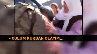 Duygulandıran görüntü: Mehmetçiği görünce heyecanına hakim olamadı