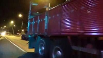 askeri birlik - Suriye sınırına tank ve zırhlı araç sevkiyatı (2) - HATAY