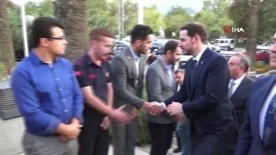 Bakan Albayrak, belediyeyi ziyaret etti