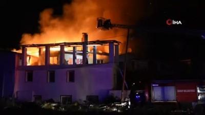 Sinop'ta bir ev alevlere teslim oldu
