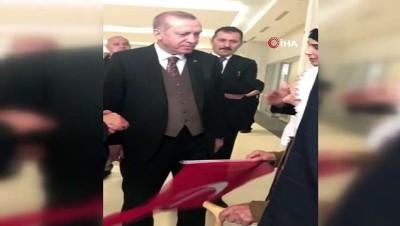 televizyon -  En yaşlı hacı Fikriye Nine'den Mehmetçik'e dua...Allah askeri muhafaza etsin