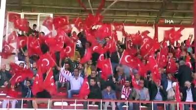 Futbolcular, Barış Pınarı Harekatı'nı asker selamı ile destekledi