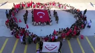 Minik öğrencilerden komando marşıyla Barış Pınarı Harekâtı'na destek