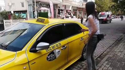 'Hızlı ve anne' yollarda... Eşinin aracıyla kızını okula götürdü, 5 aydır taksicilik yapıyor