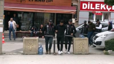 Eskişehir'de uyuşturucu operasyonu...2 kilo 300 gram skunk ele geçirildi İzle