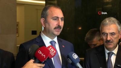 """Adalet Bakanı Gül, """"Halkbank'la ilgili açılan davanın hukuki olmaktan ziyade siyasi olduğu açıktır"""""""
