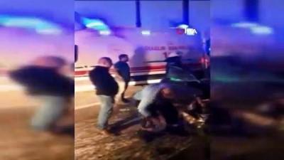 karya -  Trafik kazasında araçta sıkışan sürücü itfaiye tarafından kurtarıldı