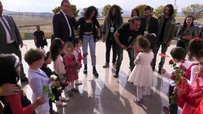 Haluk Levent'ten Emine Bulut'un kızına ziyaret - KIRIKKALE