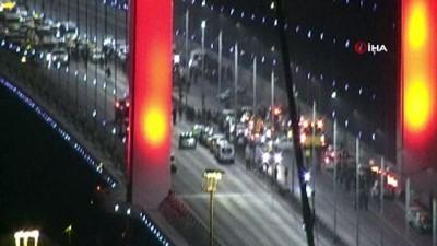Köprüdeki silahlı şahıs polis ekiplerine teslim oldu
