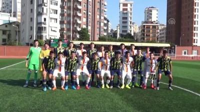 Silopili gençler Fenerbahçe U17 altyapı takımı ile maç yaptı - ŞIRNAK