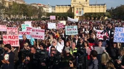Hırvatistan'da çocuk istismarı protestosu - ZAGREB