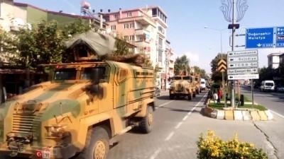 Sınır birliklerine giden askere sevgi gösterisi - ADIYAMAN