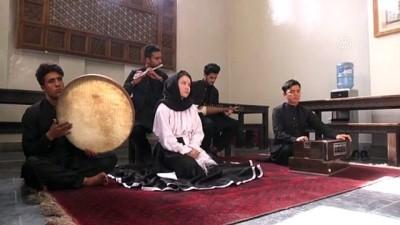genc kiz - Afgan kızı Mirzai internetten öğrendiği sema ayinini ülkesinde tanıtıyor - KABİL