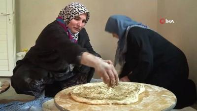 sabah namazi -  Başkan Dündar köy fırınında ekmek pişirdi